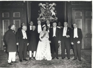 Queen_Elizabeth_II_and_the_Prime_Ministers_of_the_Commonwealth_Nations,_at_Windsor_Castle_(1960_Commonwealth_Prime_Minister's_Conference)